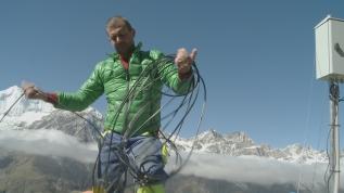 Glaciers rocheux, des géants sous surveillance  un 52′ pour FranceTélévisions
